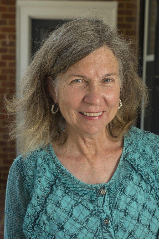 Headshot of Emma Edmunds