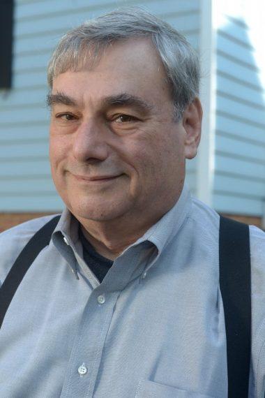 Headshot of Garrett Queen